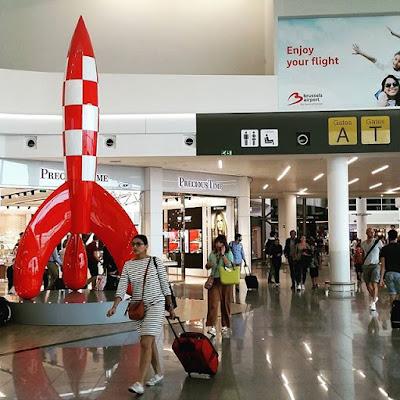 Cohete de Tintin en el aeropuerto
