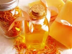 """<img src=""""aceite-de-calendula.jpg"""" alt=""""calendula flores y aceite"""">"""