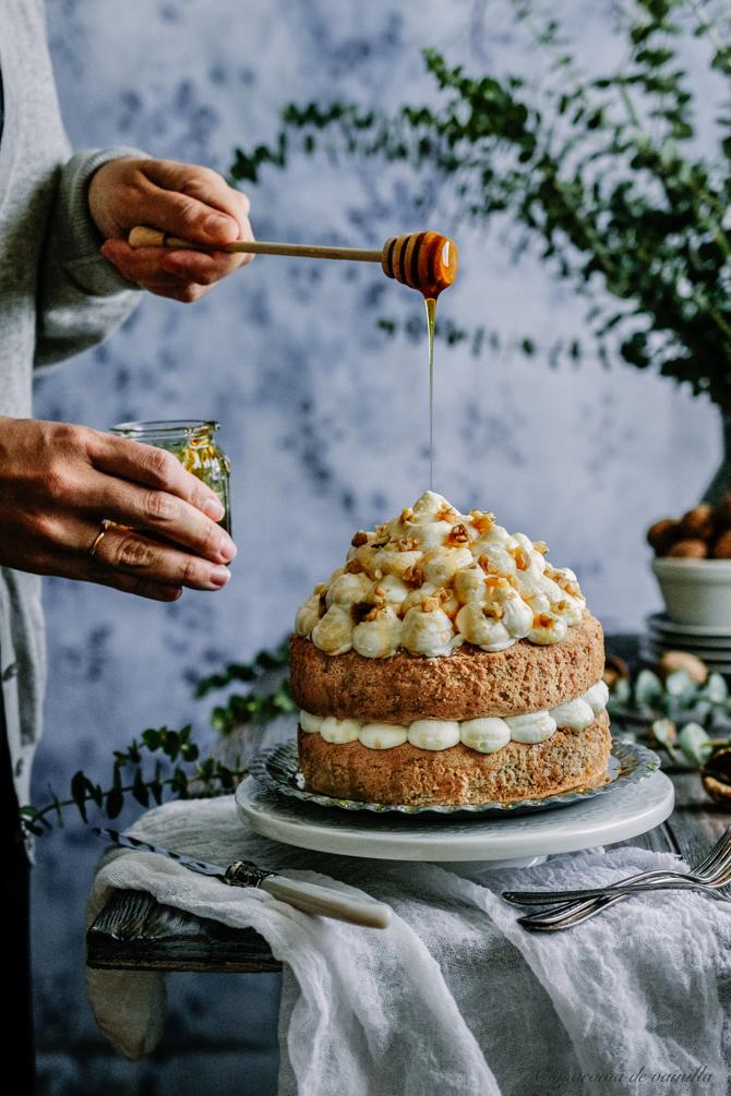 Tarta de nueces y nata