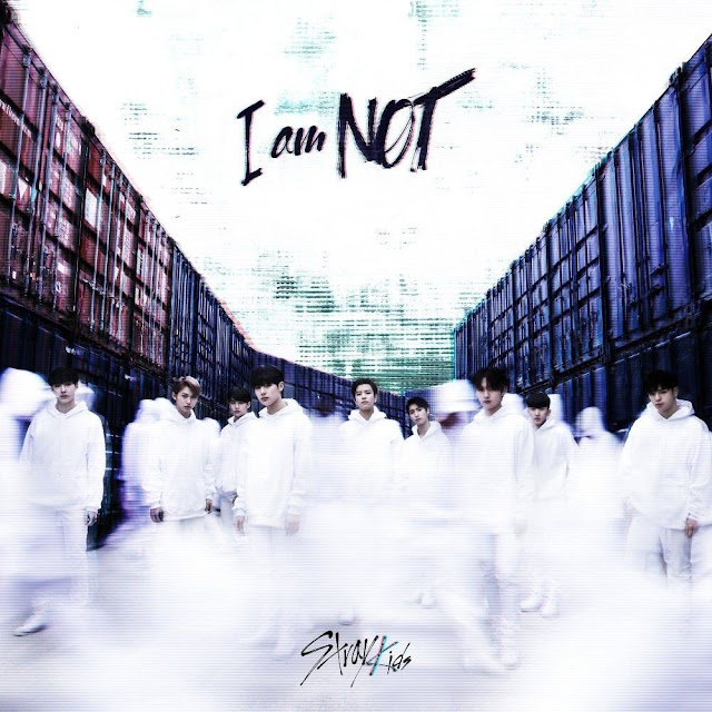 stray kids debut i am not