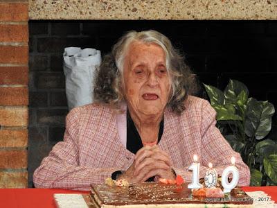 LE PETIT-QUEVILLY. Dix-septième d'une famille de dix-huit enfants, Lucienne Grandin fête sereinement ses cent ans.
