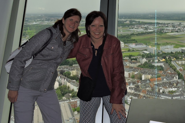 Rheinturm Dusseldorf Kim Kristel