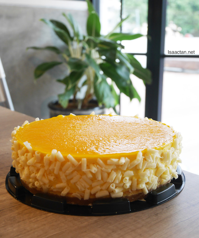 The Russian Whiskers (Non-baked Mango Cheesecake) - Whole cake (RM99)