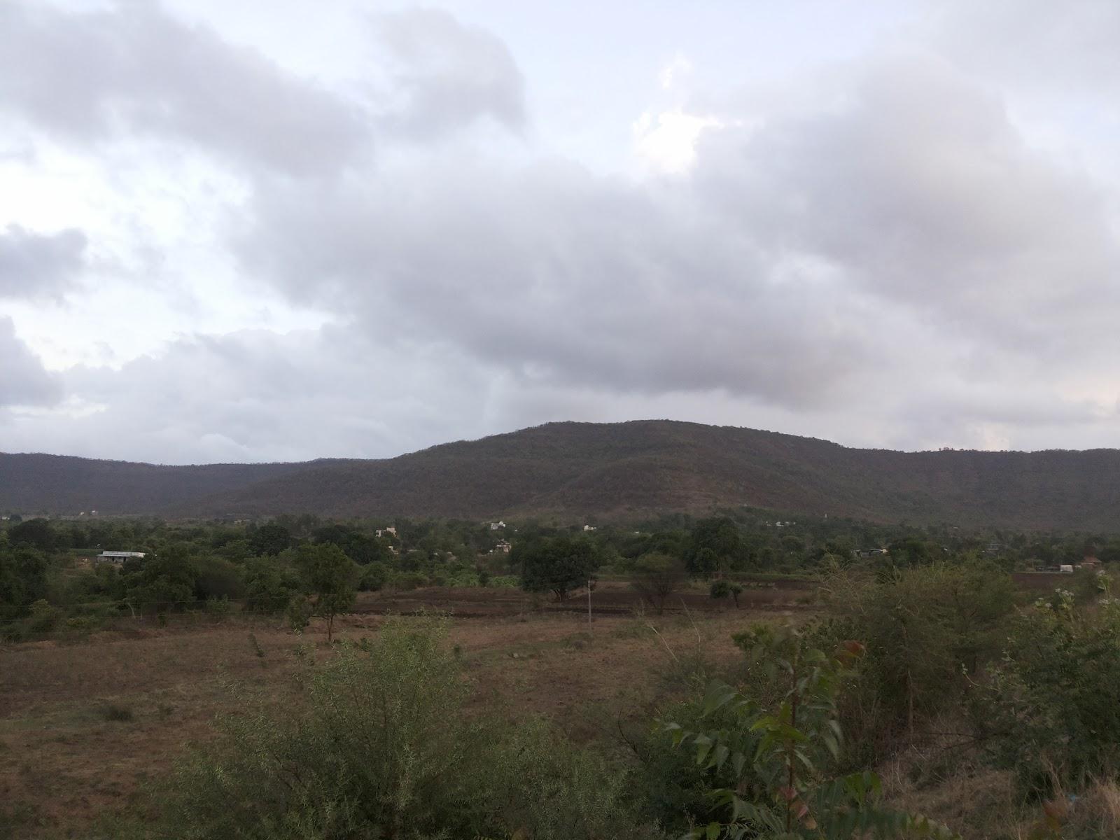 Weekend bike ride to Kasarsai Dam