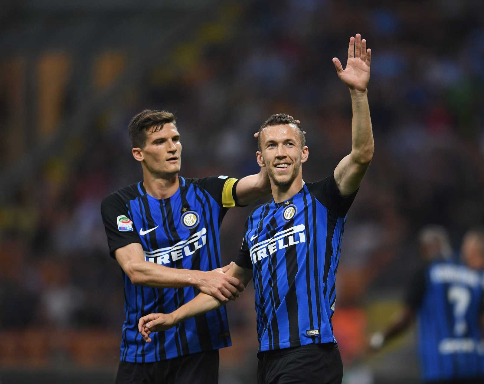 on pitch inter 17 18 home kit footy headlines inter 17 18 home kit debut