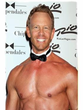 Actor Ian Ziering Musculoso a los 50 Años