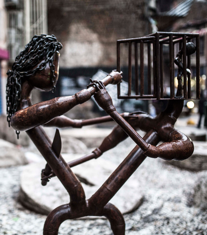Geçmişte metal heykeller ve şimdi