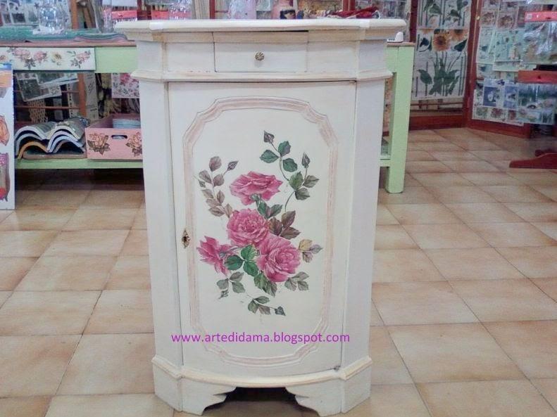 Artedidama collage su mobili di recupero for Disegni mobili
