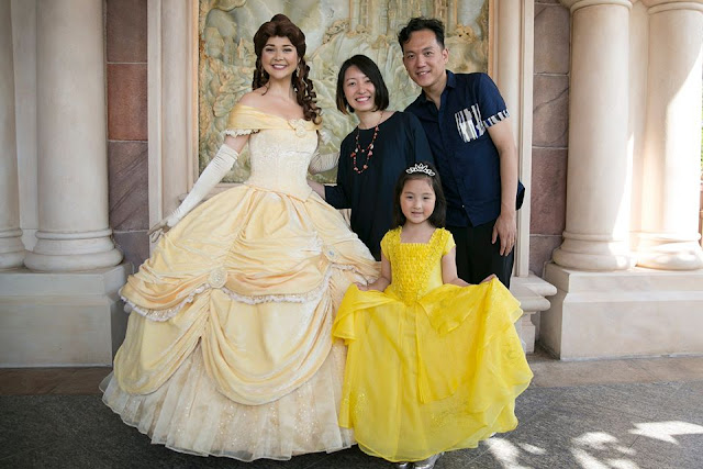 Dad makes his daughter a real life princess