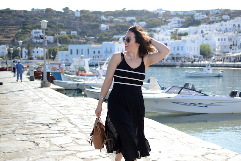 Mykonos travel diary outfit Babaton Jude Skirt Forever 21 tank top Vancouver fashion blogger