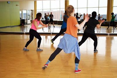 Benefits of Zumba Dance in Hindi