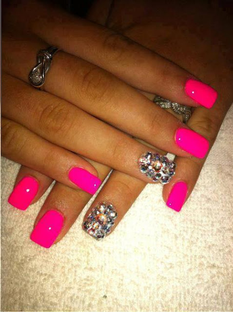 File:Most Beautiful Nail Designs.svg