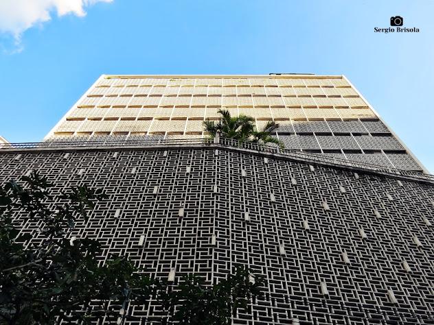 Perspectiva inferior do Edifício Renata Sampaio Ferreira - Republica - São Paulo