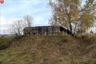 'Форт'. Полукапонир №19 Слуцкого УР у деревни Выня