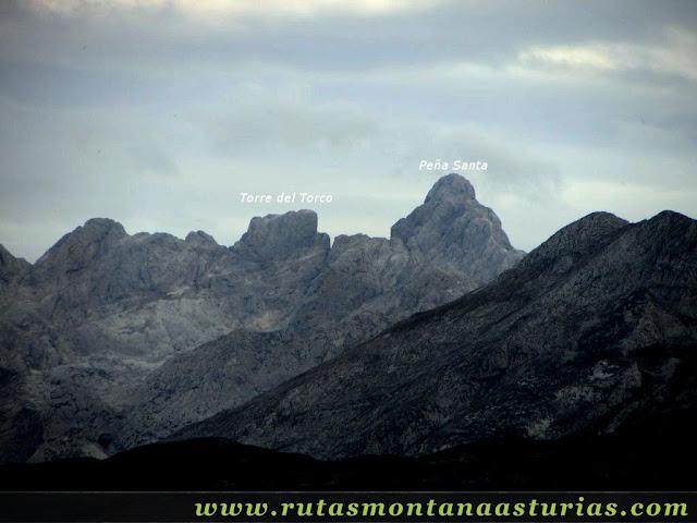 Ruta Bosque de Peloño: Vista de la Torre del Torco y Peña Santa