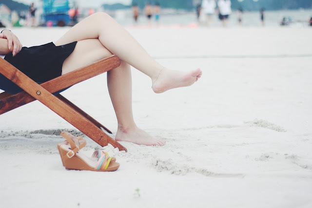 How to cope with leg swelling in the summer months