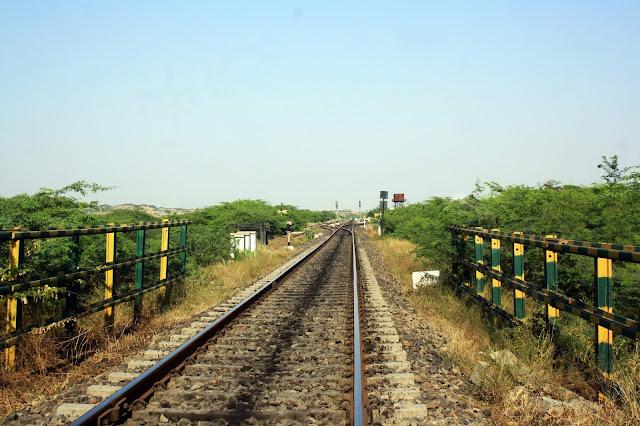 India, Railway tracks, Crossing, meter gauge, Indian Railways, Gujarat, rural