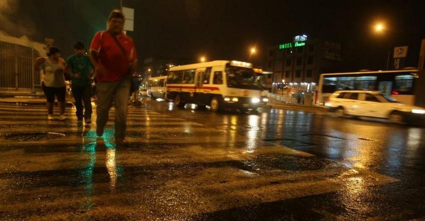 Fuerte lluvia sorprendió a limeños y podría prolongarse, informó el SENAMHI - www.senamhi.gob.pe
