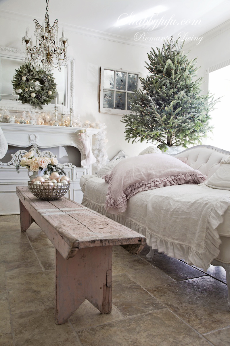 Elegant Pink Christmas Decorating Ideas   shabbyfufu com elegant pink christmas decorating ideas
