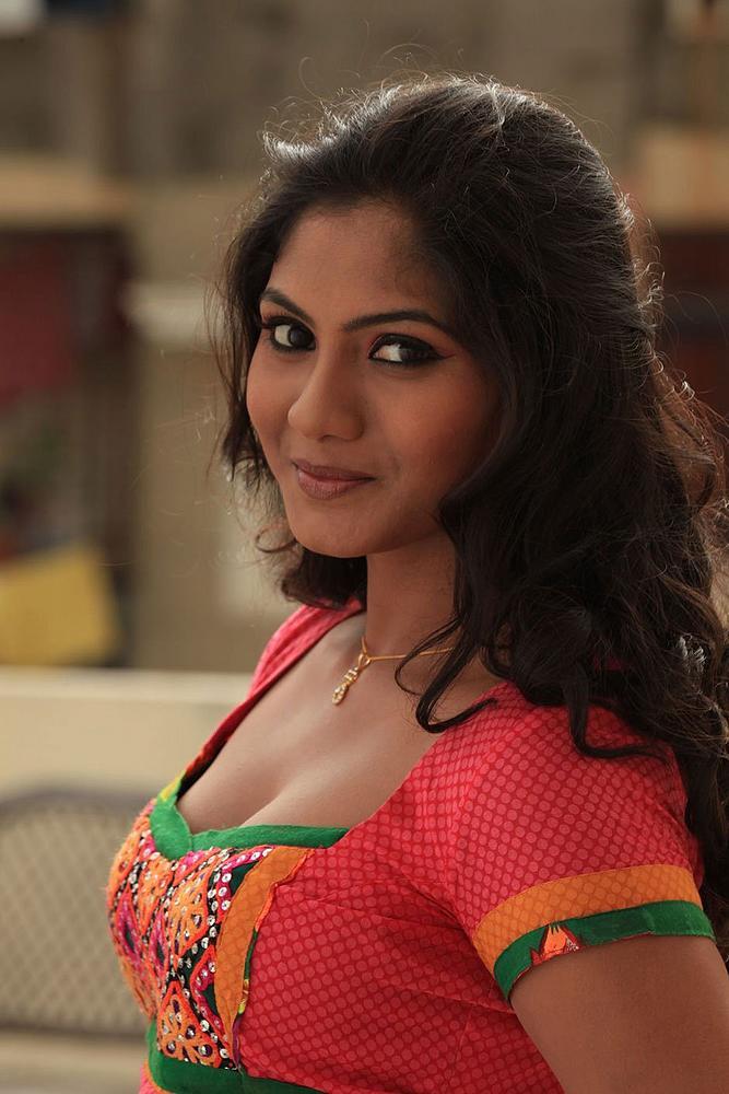 Kannada Actress Shruthi Hot Stills  Hotstillsupdate -4055
