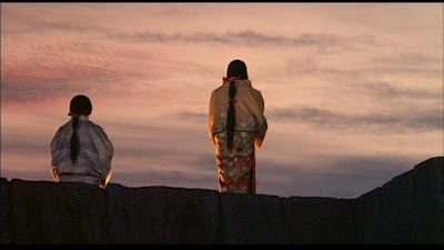 Oscar winning Japanese war epic Ran, The blind prince and his sister, final scene, standing at the edge of the cliff, Directed by Akira Kurosawa