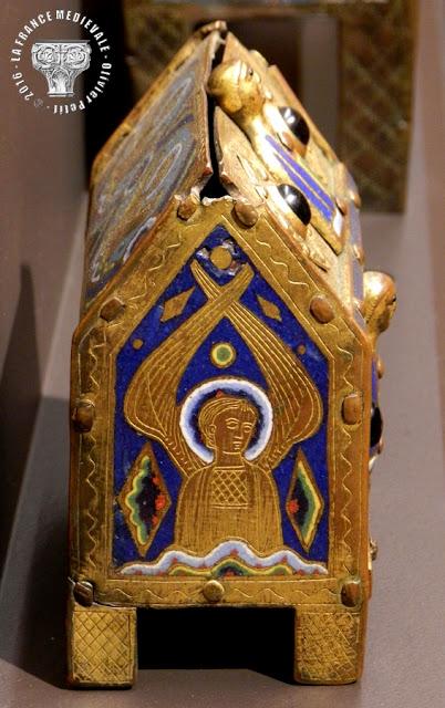 DIJON (21) - Musée des Beaux Arts : Châsse champlevée (1er quart du XIIIe siècle)