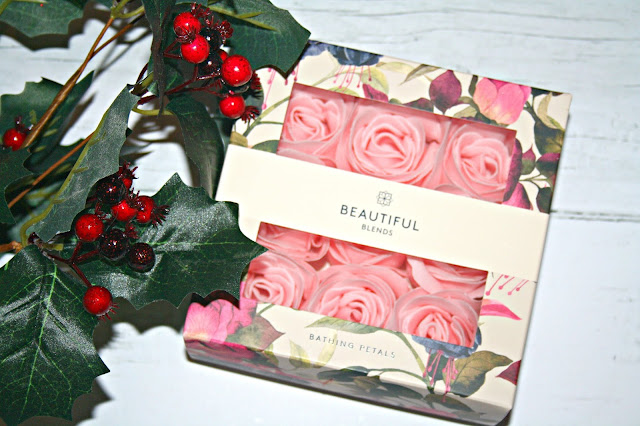 Beauty-Blends-Christmas-Collection-Bathing-Petals