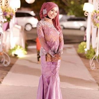 48 Model Kebaya Untuk Wanita Gemuk Agar Terlihat Langsing Boesana Com
