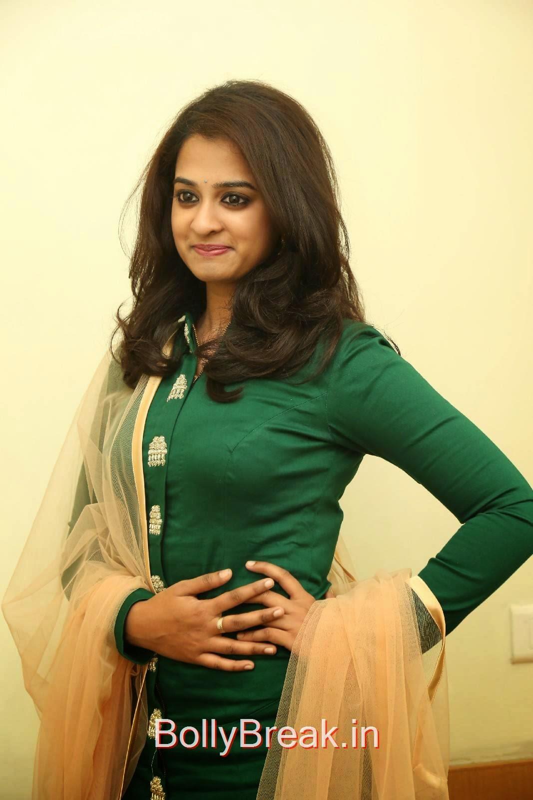 Actress Nanditha Hot Hd Images In Punjabi Green Suit - 12 Pics-7277