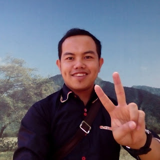 Davin S. Budi - Owner Customer Service Travel BWi Banyuwangi