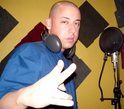 Foto de Cosculluela en estudio de grabación