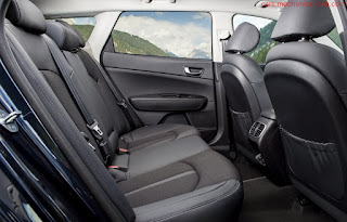 صور سيارة كيا اوبتيما سبورت واجن  من الداخل uk 2017