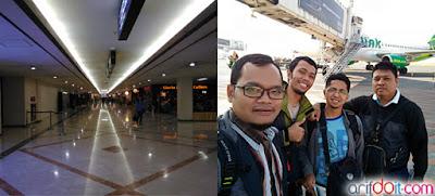 Suasana bandara juanda & selfie sebelum naik pesawat