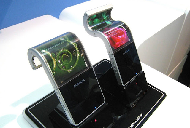 Folding Samsung Galaxy X Spotted Online, Again!