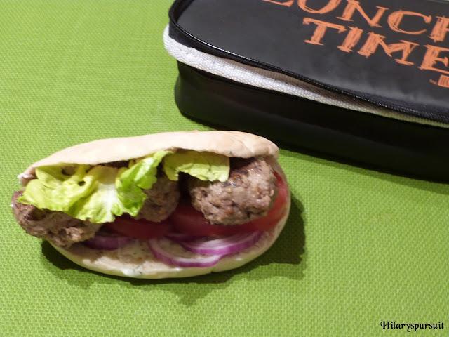 Sandwich pita aux boulettes