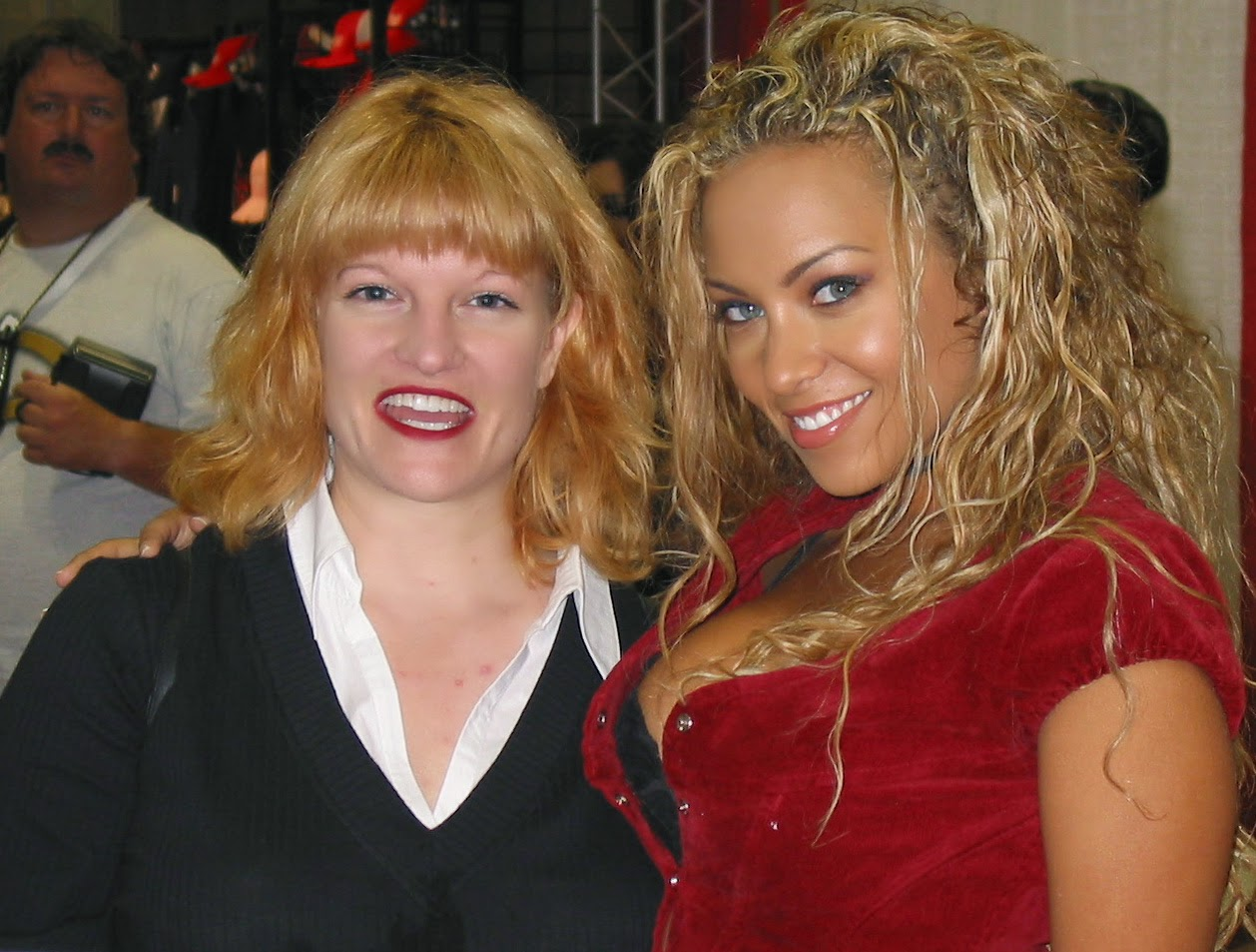 Chryssa et Bridget Banks