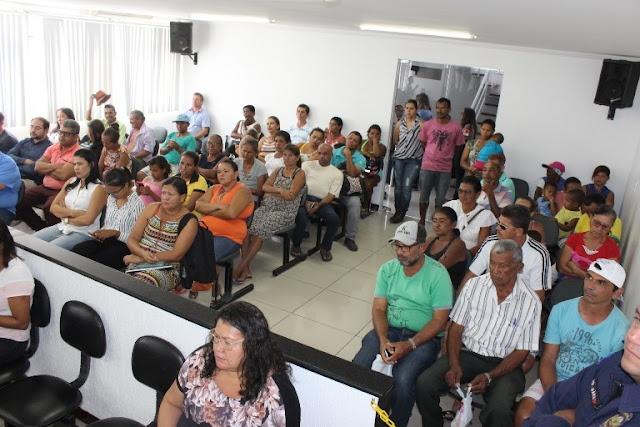 Vereadores de Delmiro Gouveia recebem moradores das 369 casas e debatem melhorias para o conjunto habitacional