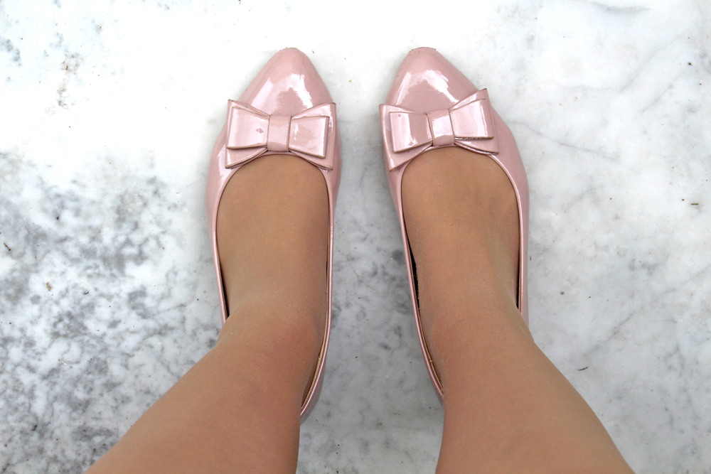 Nude bow flats - London fashion blogger
