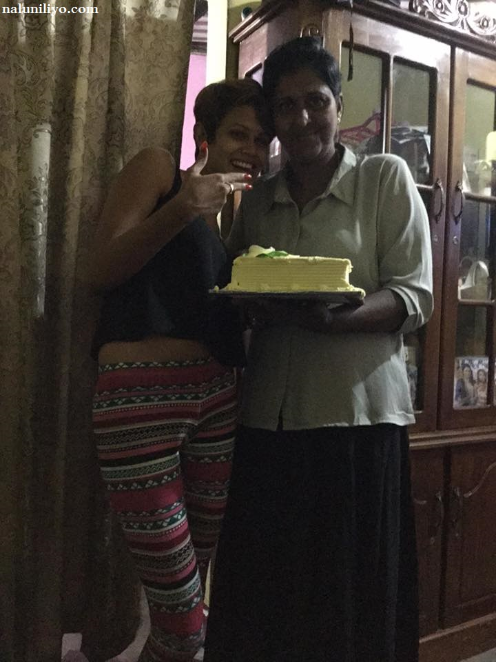 Shashi Hewage in Piumi Hansamali's house