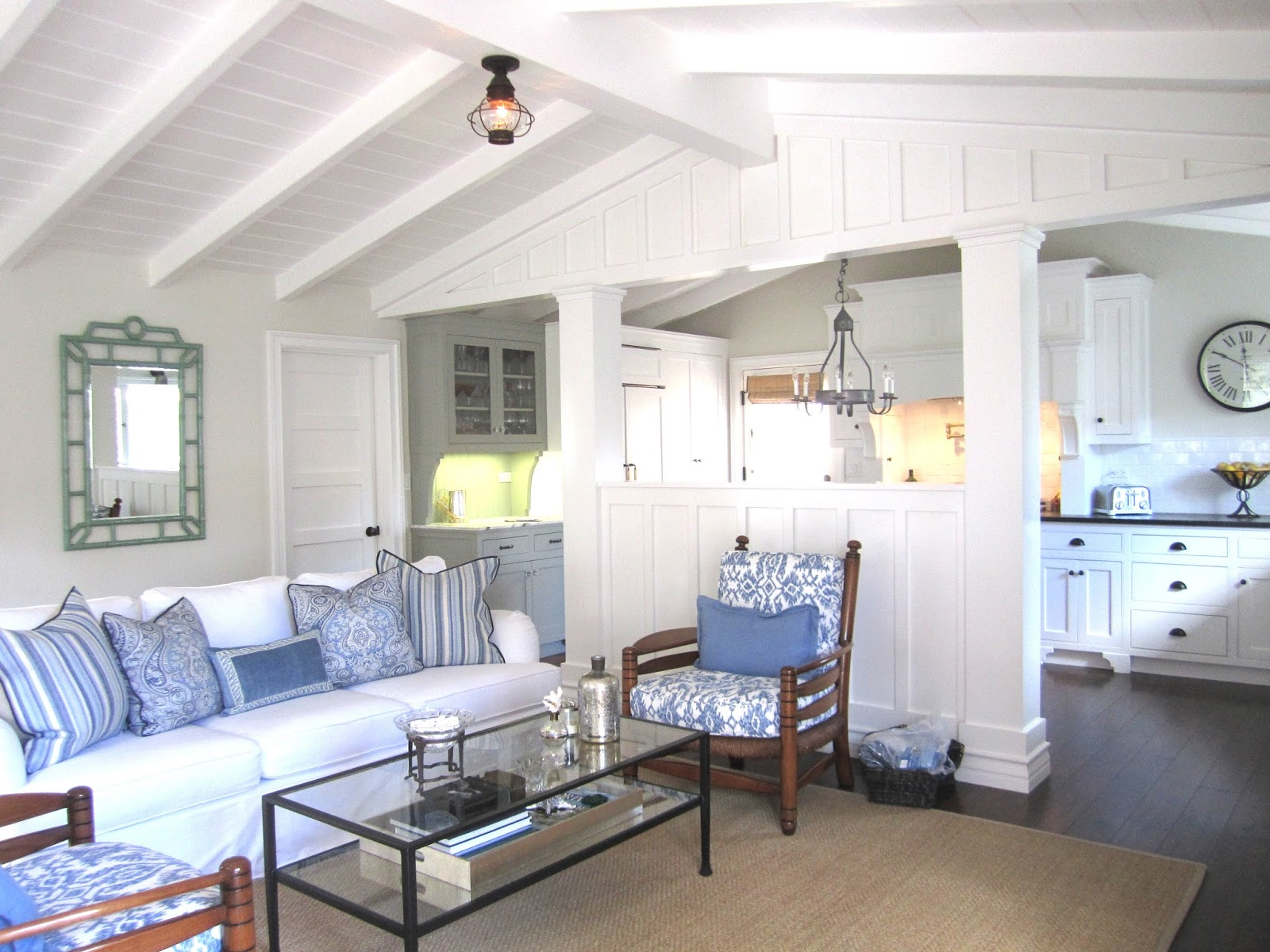 Classic Casual Home Blue And White Casual Beach Cottage