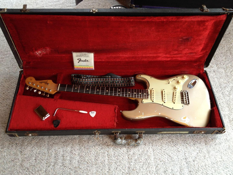 shoreline gold strats stratocaster guitar culture stratoblogster. Black Bedroom Furniture Sets. Home Design Ideas