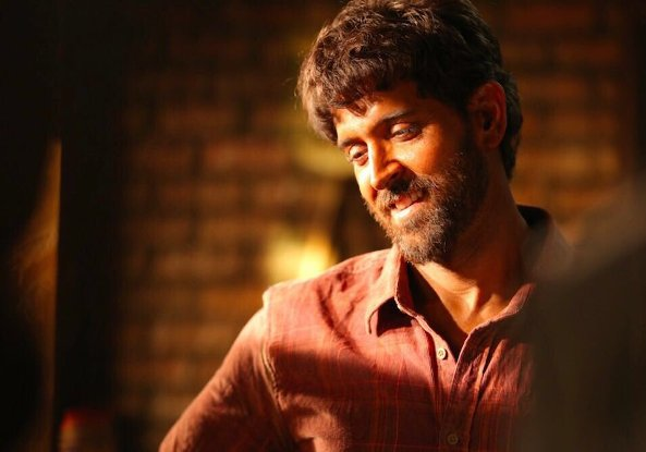 full cast and crew of Bollywood movie Super 30 2017 wiki, Hrithik Roshan, Mrunal Thakur Super 30 story, release date, Super 30 Actress, name poster, trailer, Video, News, Photos, Wallapper