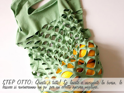 Bolsa de tela color verde hecha con camiseta, remera, playera