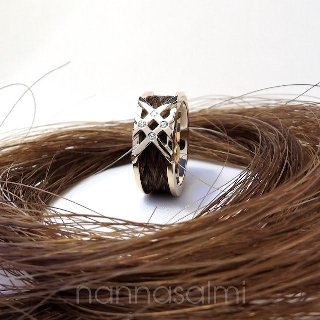 sieraaden van paardenhaar  pferdehaarschmuck horsehairjewellery jouhikoru
