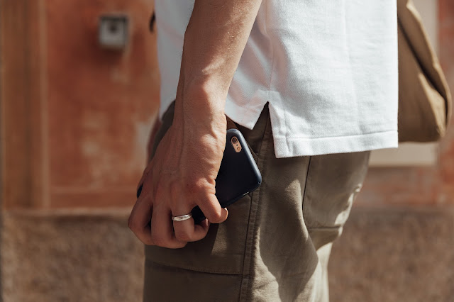 mat buckets wearing ralph lauren mesh white polo shirt custom fit in italy, iphone 6 and folk trousers