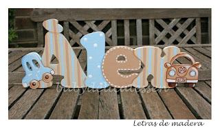 letras de madera infantiles para apoyar Alex con siluetas de coches babydelicatessen