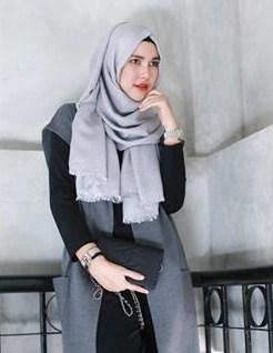 Desain Baju Muslim Wanita Model Terbaru Karya Desainer Rani Hatta