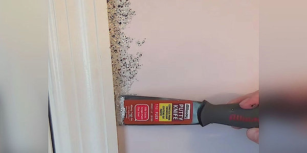 She Glues Glitter All Around her Door Frame, But The Finished Result? STUNNING!