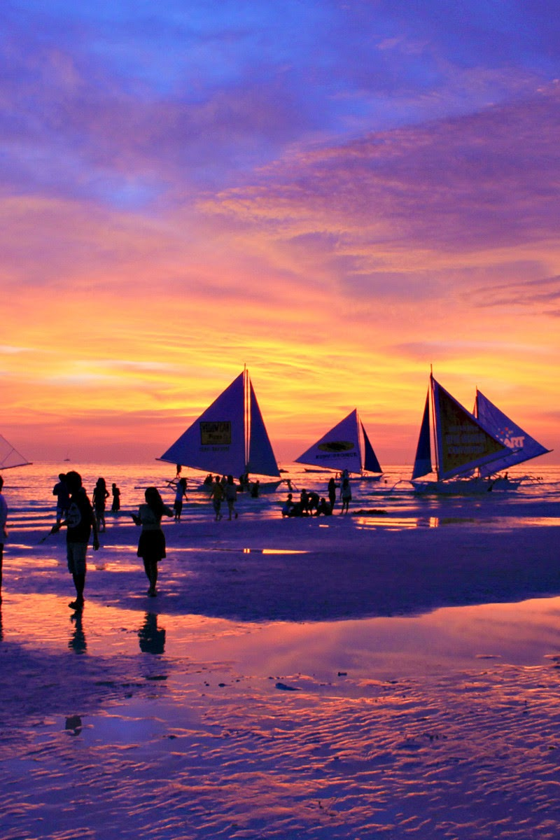 10 Most Famous Travel Destinations In Philippines | Sunset in Boracay,Philippines