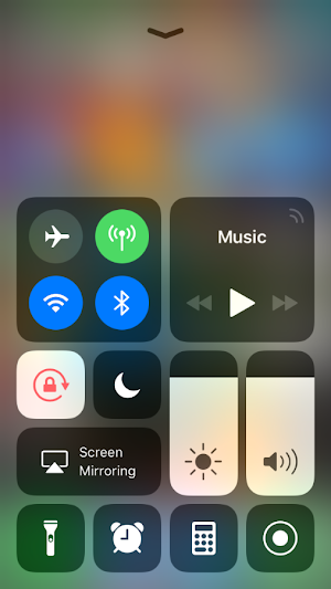 iOS 11.4 /11.3  Screen auto brightness not working/low in iPhone